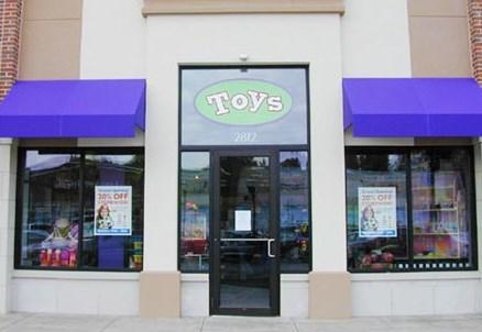 Crestview store exterior