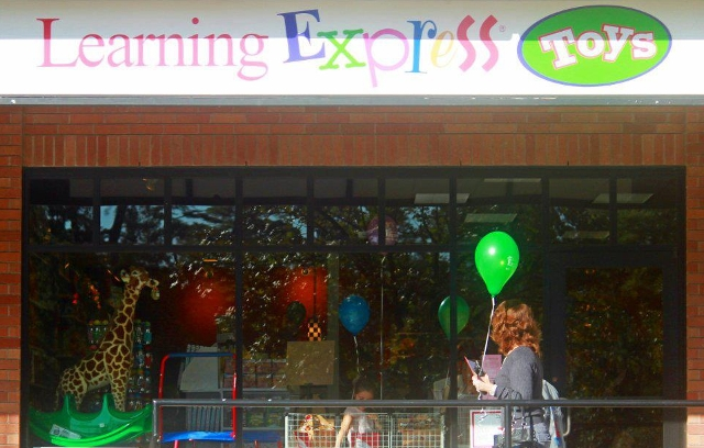 Learning Express of The Woodlands store exterior
